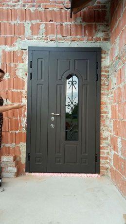Двери входные полуторные металлические стекло ковка уличные. Доставка!