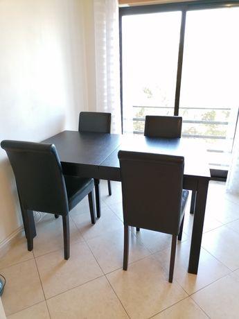 Mesa de sala extensível com 4 cadeiras
