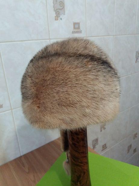 Стильная шапка из натурального меха