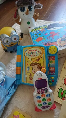 Zestaw zabawek: telefon Fisher Price, interaktywna książeczka...