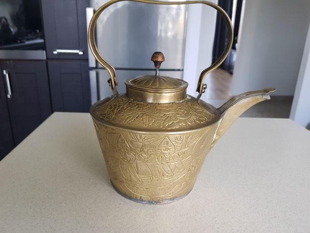 Mosiężny czajnik