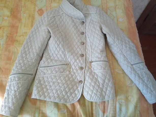 Весняна курточка 44р