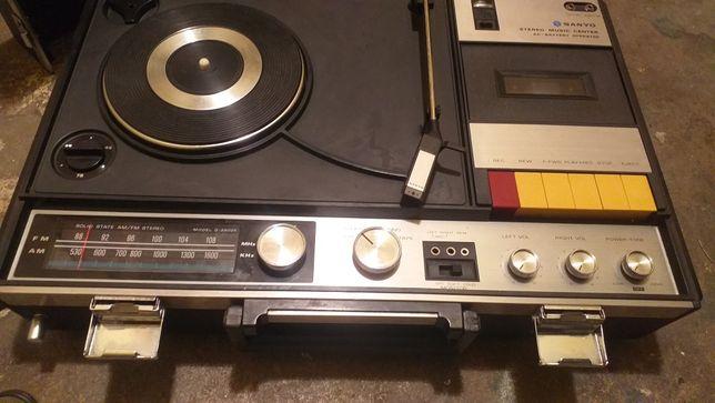 Gramofon magnetofon  sanyo stereo electric   gratka dla kolekcjonerów