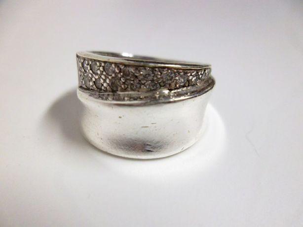 fantástico grande anel em prata da lei contrastado