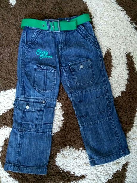 Штаны/джинсы на мальчика 5-7 лет