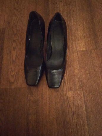 Туфли натуральная лакированная кожа, стелька 23,5 см