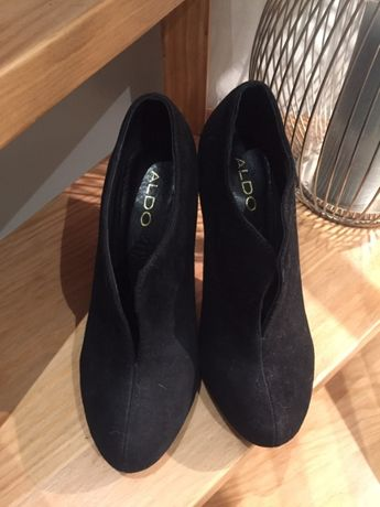 Sapatos pretos Aldo 37