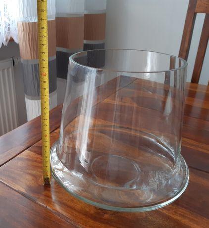 Piękne szklane naczynie