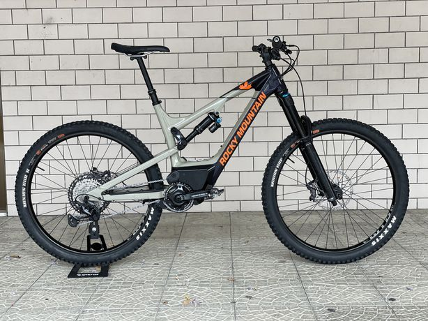 Bicicleta Eletrica Rocky Mountain Altitude Powerplay