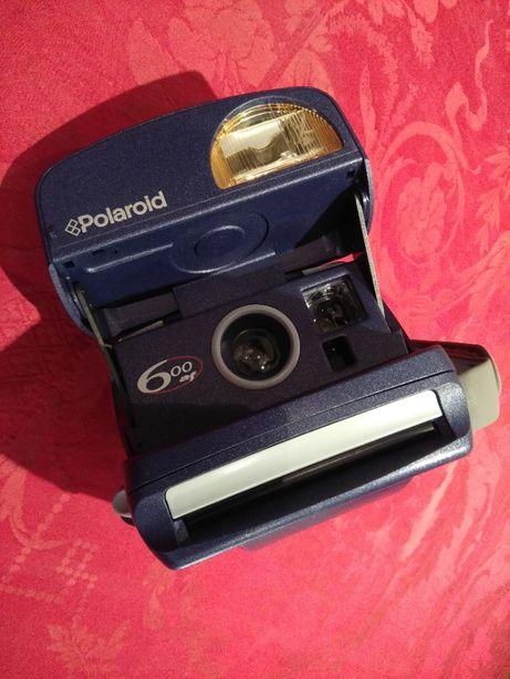 Máquina Fotográfica Poloroid 600