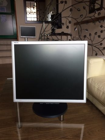 Monitor komputerowy NEC MultiSync 1770 NX