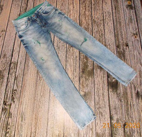 Фирменные джинсы для девушки, размер 30