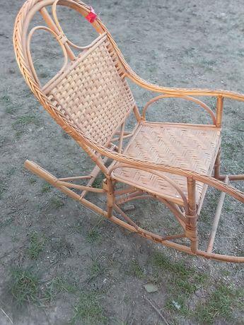 Witam mam na sprzedasz krzesło bujane wiklinowe
