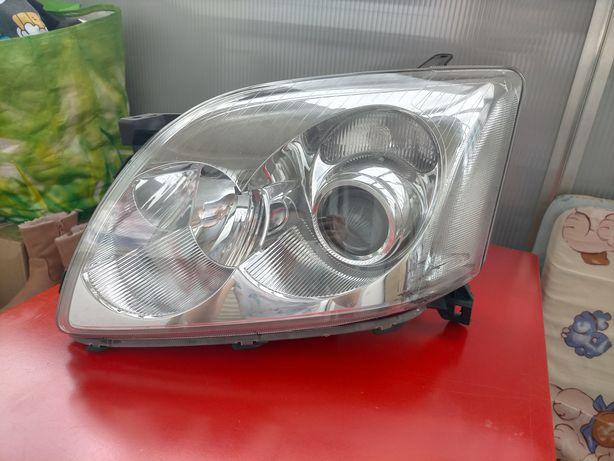 Lampa do samochodu Toyota Avensis