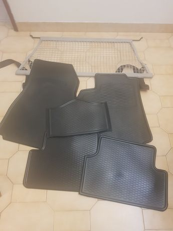 Vendo rede mala e tapetes originais renault megane novos
