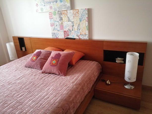 Mobília de quarto impecável