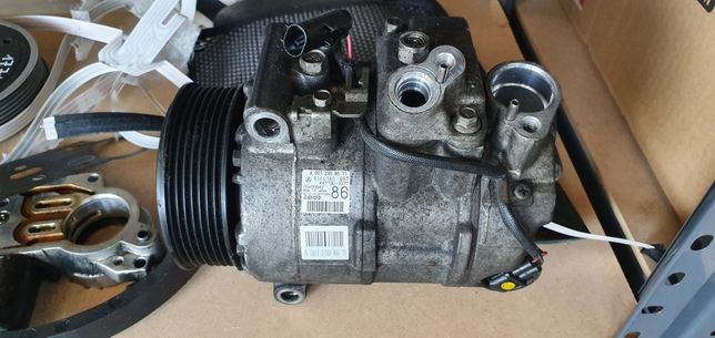 Mercedes w211 cls219 sprężarka klimy A001.230.8611