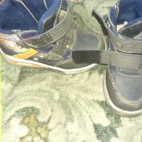 Ботиночки 29 размер на молнии и липучке