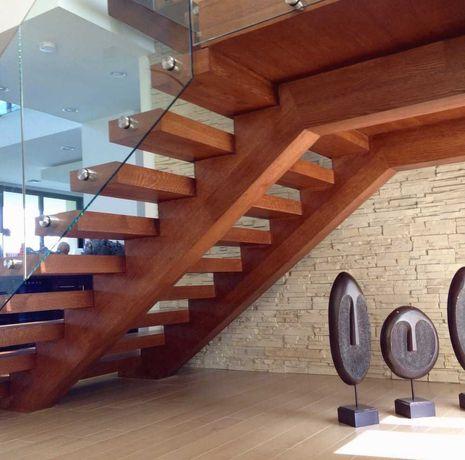 Деревянные лестницы в дом и коттедж на второй этаж на заказ