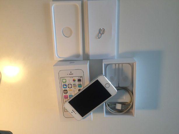 iPhone 5S para peças + carregador + fones novos