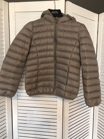 Легкая куртка для девочек benetton