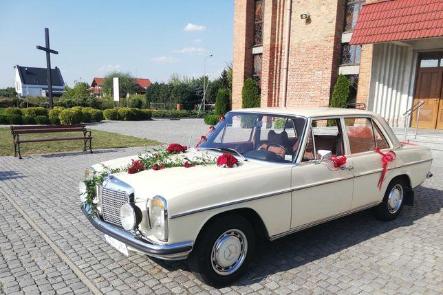 Klasyczne auto do ślubu