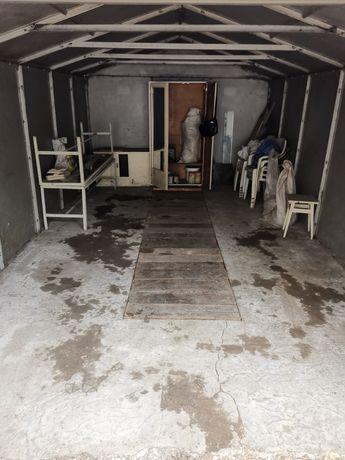 Добротный гараж в коопративе.