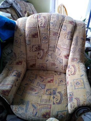 Dwa fotele i kanapa. Odbiór osobisty.