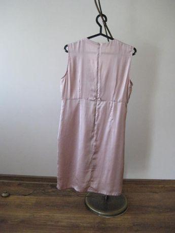 Sprzedam śliczną sukienkę Carry rozmiar XL Kolor pudrowy róż