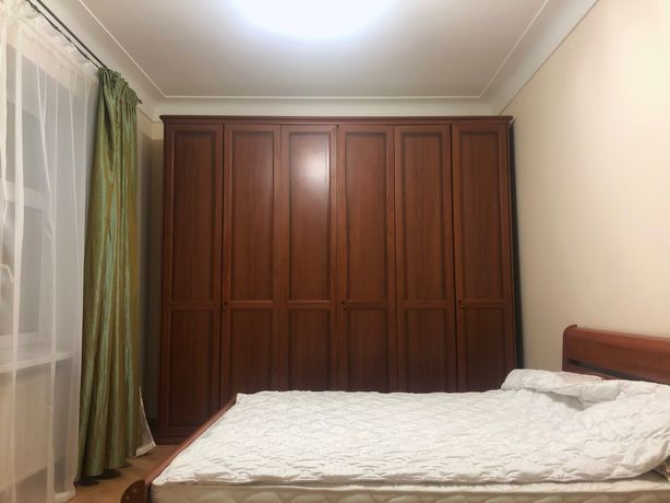 3-комнатная квартира на Хрещатике. Две спальни. Ул. Прорезная 3. Центр