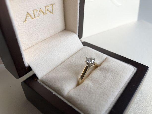 Złoty Pierścionek z brylantem 0,34CT S12 585 APART