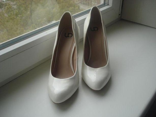 Туфли свадебные 39,5 айвори лаковые