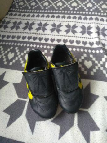 Korki buty piłki nożnej Hummel 28