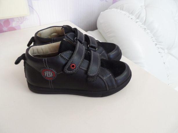 Кожаные ботинки осенние на мальчика.