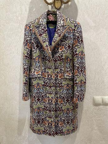 Etro пальто. Оригинал 44 винтаж