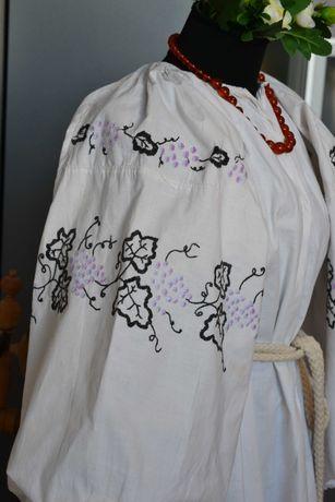 Старовинна вишита виноградом сорочка вишиванка, вышиванка старинная