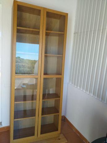 Estante em Carvalho com 2 portas de vidro