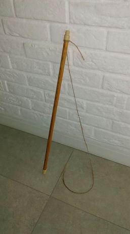 Zabawka dla kota kotów sznurek na kiju ORyginał