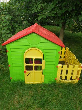 Domek ogrodowy dla dzieci ze stolikiem Mochtoys