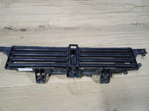 Нижняя решетка в бампер (жалюзи) на Додж Дарт - Dodge Dart
