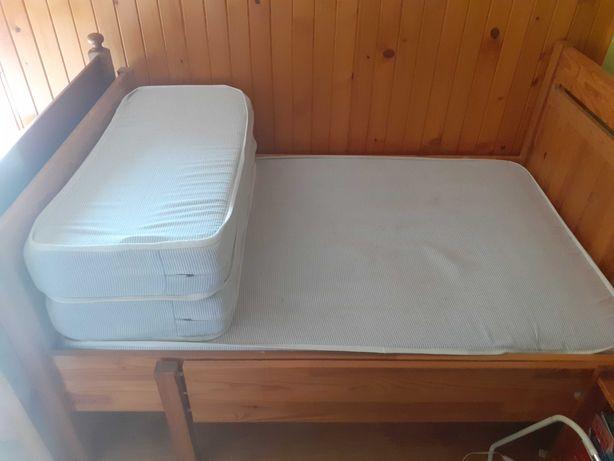 Sprzedam dwa łóżka drewniane Ikea