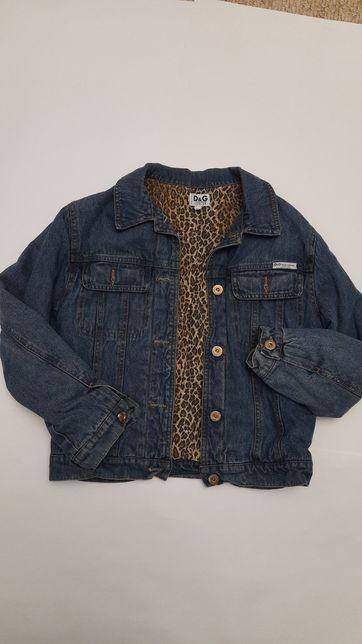 Продам ждинсовую куртку для девочки