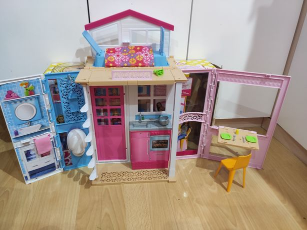 Dwupoziomowy domek Barbie Mattel+lalka