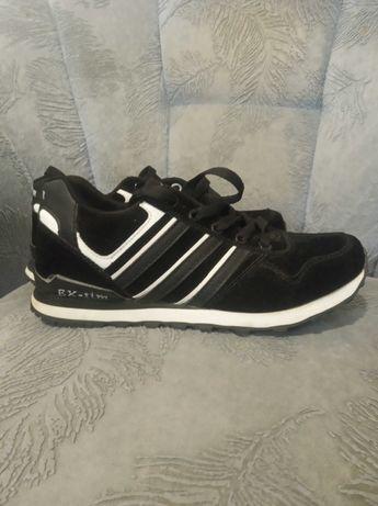 Новые женские кроссовки р.38
