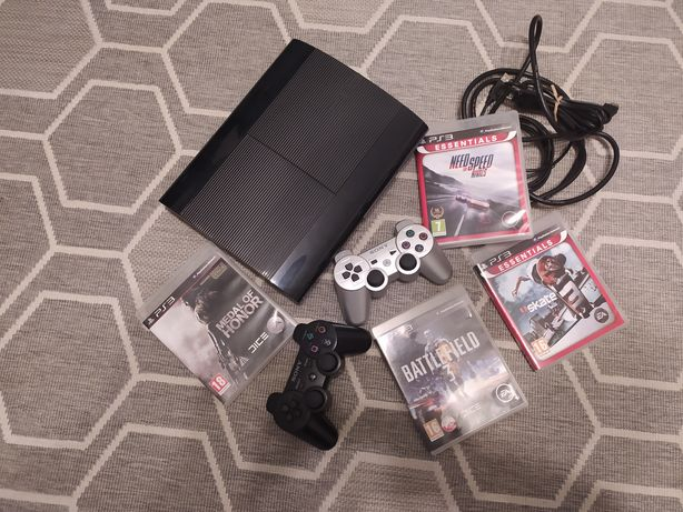 Konsola Sony PlayStation 3 PS3 2 pady Sony 4 gry zestaw NFS skate MOH