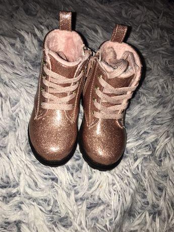 Sprzedam nowe buciki H&M roz 20/21