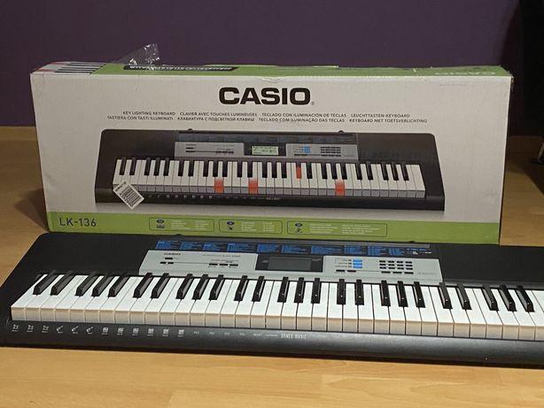 Keyboard Casio Lk-136