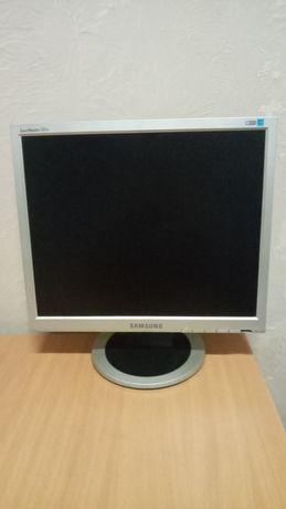 Монітор Samsung SyncMaster721N