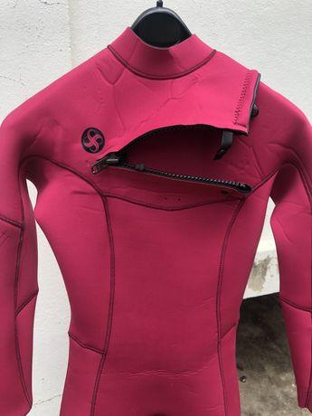 Fato Vissla / Sisstrevolution surf mulher 4.3 nunca usado tamanho 6