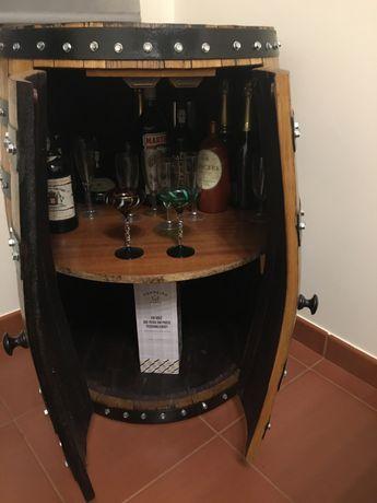 Bar de pipa renovada